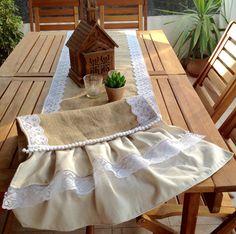 Camino Shabby Chic de arpillera y volados de lino. Latiendadecoideas@gmail.com