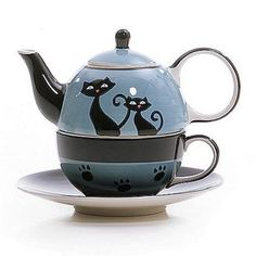 """""""Cattitude all-in-one Blue Jay"""" Teapot  -- www.teaporia.com"""