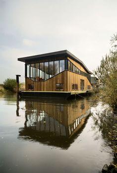 House Boat... tom bergevoet architecture : Projecten > architectuur projectenbestand > Waterwoning, Nijmegen