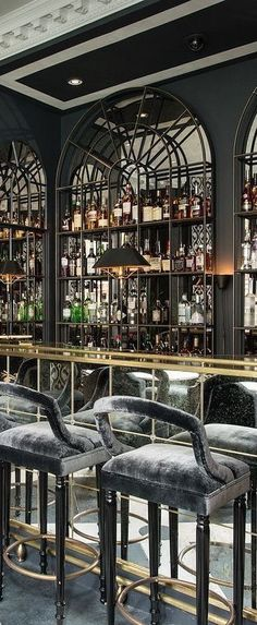 Curious? Access luxxu.net to find the best furniture inspirations for your new bar project! Luxury and still modern lighting and furniture