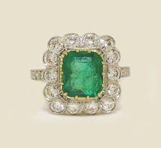 Estate Platinum Diamonds Ring with Emerald 2 50ct  