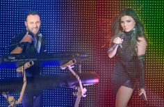 Paula seling and ovi are returning to eurovision they represented romania also in this time with miracle ! my cassette player musik Eurovision France, Hetalia, Ukraine, Terry Wogan, Duncan, Costume, Karaoke, Romania, Musik