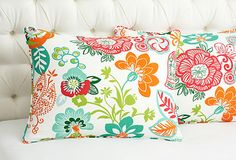 A sunny pillow combo worth their weight in flower power! Bam, need an infusion of color? Go for it.