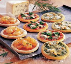 Mini pizza - klik voor het hele recept op de het beeld!