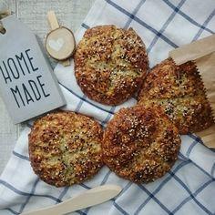 Przepis na bułki z twarogu Bagel, Healthy Recipes, Healthy Food, Homemade, Cooking, Breakfast, Fitness, Diet, Healthy Foods