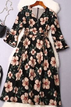 $69.99 Black Floral Flared Sleeves Dressproducts_id:(1000012969 or 1000012338 or 1000012645 or 1000012424)