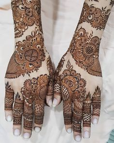 Image may contain: 1 person Modern Henna Designs, Henna Art Designs, Mehndi Designs 2018, Mehndi Designs For Girls, Stylish Mehndi Designs, Wedding Mehndi Designs, Beautiful Henna Designs, Beautiful Mehndi, Arabian Mehndi Design