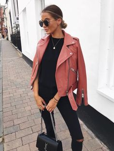 42 Wonderful Women Leather Jacket Outfit Ideas For Fall Fantastische 42 wunderbare Frauen Lederjacke Fall Winter Outfits, Summer Outfits, Casual Outfits, Fashion Outfits, Black Outfits, Fashion Top, Fashion Weeks, Cheap Fashion, High Fashion