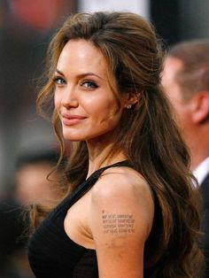 Angelina Jolie is known have gotten many tattoos and also to have removed a few to get a few more. So, in this post we have best Angelina Jolie tattoos. Daily Hairstyles, Older Women Hairstyles, Hairstyles With Bangs, Wedding Hairstyles, Pretty Hairstyles, Hairstyle Ideas, Simple Hairstyles, Updo Hairstyle, Straight Hairstyles