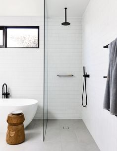 Minimial bath space open shower, Planned Living Architects, Photo by Derek Swalwell