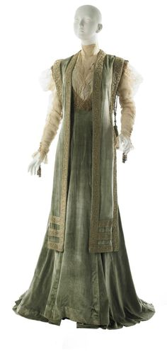 TEA GOWN (1908) - a long loose-fitting gown often ideal for an afternoon of tea (Edwardian Period)