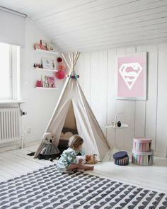 Bild 8: Kinderzelt zum Spielen. Teppich Ferm Living Boxen IKEA Tisch Hay