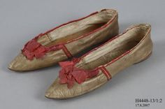 H4448-13 Slip on shoes, pair, womens, leather / cotton, made for Taylor's Warehouse, England, 1810-1815 - Powerhouse Museum Collection