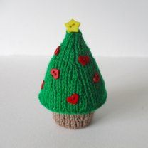 Use these little trees to decorate your home for the festive season. Knit a few to sit on bookshelves or your mantelpiece, or hang them from your tree. They don't use much yarn and can be made in about an hour.THE PATTERN INCLUDES:  Row numbers for each step so you don't lose your place, instructions for making the tree, photos, a list of abbreviations and explanation of some techniques, a materials list and recommended yarns.  TECHNIQUES:  All pieces are knitted flat (back and forth) on a…