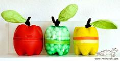 Cute apple craft idea using recycled bottles Kids Crafts, Fall Crafts, Craft Projects, Arts And Crafts, Plastic Bottle Crafts, Recycle Plastic Bottles, Pop Bottles, Water Bottles, Drink Bottles