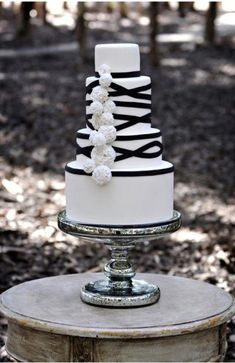 black and white wedding cake ideas trendy bride blog pertaining to black and white wedding cakes 1