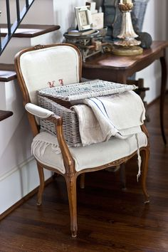 Despair In Youngsters - Realize To Get Rid Of It Wholly Vintage Grainsacks And An Announcement - Cedar Hill Farmhouse Cedar Hill Farmhouse, French Country Farmhouse, Shabby Chic Farmhouse, Shabby Chic Cottage, Farmhouse Style, Bedroom Vintage, Vintage Home Decor, Diy Home Decor, French Decor