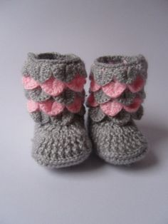 Crocodile Stitch  Baby Booties/ Crochet Baby boots by Amberiukas, $10.00