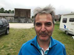 """Marco per venire a Treviso ha assaggiato il matterello della gentil signora... non è vero, un tubo della tenda gentilmente """"appoggiato """" sulla fronte da Franco!"""