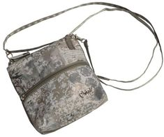 Check out our Vienna Glove It Ladies 2-Zip Convertible Cross-body Bags! Find the best golf gear and accessories at Lori's Golf Shoppe. Click through now to see this Cross-body Bags!