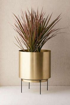 red and gold bathroom accessories Indoor Plant Pots, Indoor Planters, Outdoor Plants, Metal Planters, Modern Planters, Planter Pots, Bud Vases, Flower Vases, Flower Pots