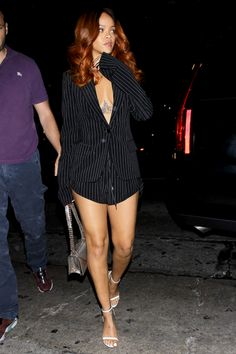 June Rihanna at Hooray Henry's Nightclub in Los Angeles Mode Rihanna, Rihanna Riri, Rihanna Style, Rihanna Red Hair, Classy Outfits, Casual Outfits, Cute Outfits, Fashion Outfits, Looks Rihanna