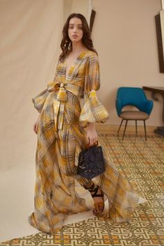 The complete Silvia Tcherassi Resort 2019 fashion show now on Vogue Runway. Fashion Week, Runway Fashion, Trendy Fashion, High Fashion, Fashion Beauty, Fashion Show, Fashion Looks, Womens Fashion, Fashion Design