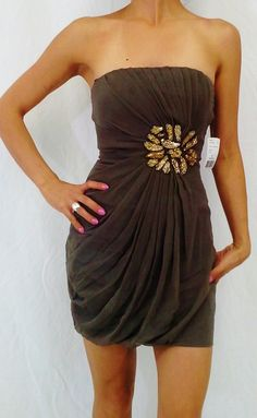 Forever 21 Tube Dress with Flower of Stones! Brown. $5.00 (http://www.5dollarfashions.com/clothing/dresses-forever-21-tube-dress-with-flower-of-stones-brown/)