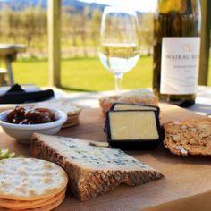 outdoor-wine-cheese-pairing-0415