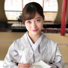 I 💗 Japanese Girls Beautiful Japanese Girl, Japanese Beauty, Beautiful Asian Girls, Asian Beauty, Japanese Lady, Japanese Costume, Japanese Kimono, Hashimoto Kanna, Le Jolie