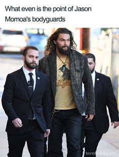 32 Of The Funniest Jason Momoa Memes Not only Jason Momoa is an incredibly hot guy, but he's also quite a funny dude. Check the best Jason Momoa memes! Stupid Funny Memes, Funny Relatable Memes, Funny Cute, Funny Posts, Really Funny, Funny Stuff, Funniest Memes, 9gag Funny, Hilarious Memes