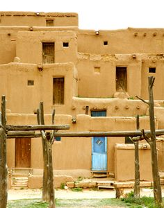 Taos Pueblo, New Mexico - 1 hrs. from Santa Fe and a beautiful drive. Taos New Mexico, New Mexico Usa, Southwest Usa, Southwestern Art, Southwest Style, Bolivia, Places Ive Been, Places To Go, Taos Pueblo