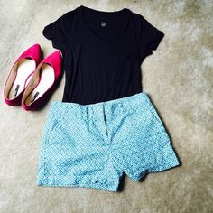Ann Taylor LOFT Pattern Shorts Cute turquoise geometric pattern. No obvious wear-- no wear by me at all. Reposhing because they don't fit me/are a bit too big.  Seriously wish I could keep these because they are so cute and a summer staple!!!! LOFT Shorts