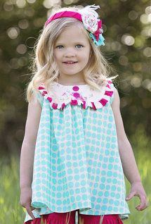 Persnickety_sara_tunic_turquoise_daffodils_and_dandelions