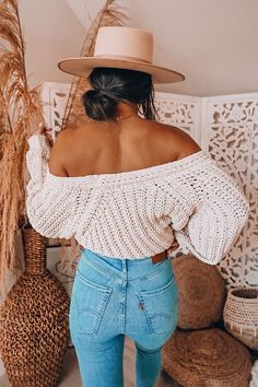 Style, fashion, shirt, pants, outfit, spring, summer, top, tee shirt, graphic tee, wardrobe, womens style, hat Tumblr Outfits, Mode Outfits, Fashion Outfits, Style Fashion, Fashion Shirts, Jeans Fashion, Fashion Hacks, Night Outfits, Fashion Tips