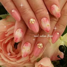 ネイル デザイン 画像 1576119 ピンク 白 デコ フラワー ワンカラー 春 夏 パーティー デート ハンド ミディアム