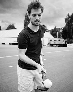 Ich war letztes Wochenende mal auf einem Hockey Platz. @fyhn94 hat ein paar neue Schläger bekommen und brauchte Bilder. Mehr Infos und Bilder findet Ihr auf seinem Profil oder unter: #antonahrensde  #hockey  #welovehh