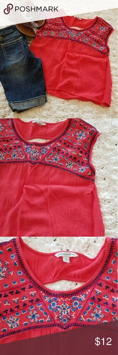Knox Rose Coral Peasant Tank Knox Rose cute girly tank.  Great applique design on front.  Peasant style. Size small. knox rose Tops Tank Tops