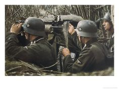 German Machine-Gun Crew Ready and Waiting Giclee Print by Unsere Wehrmacht - AllPosters.co.uk