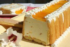 (Romania) Prajitura cu iaurt si frisca - Yogurt and Cream Cake Sweets Recipes, Easy Desserts, Delicious Desserts, Cooking Recipes, Romanian Desserts, Romanian Food, Romanian Recipes, Sweet Tarts, Special Recipes