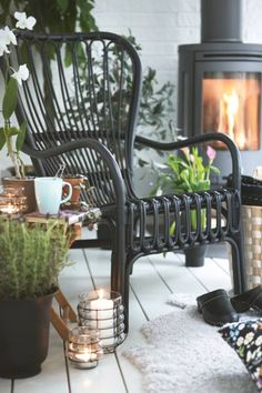 I& way overdue for sharing one my Ikea favorites. Let& just get right to the reasons the Storsele chair is tops on my list. Ikea S. Patio Ikea, Patio Table, Dining Table, Outdoor Rooms, Outdoor Living, Outdoor Retreat, Outdoor Seating, Black Rattan Chair, Black Chairs