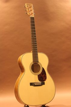 Martin OM-28 Custom Made (2016) : Swiss Spruce top, Figured Koa back & sides