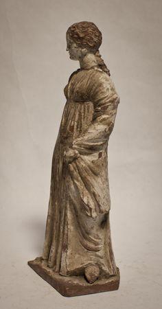 Greek Tanagra terracotta figure of a beauty 400-300bc
