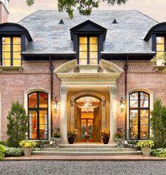 GATED PARADISE IN PRESTON HOLLOW  |  Dallas, TX  |  Luxury Portfolio International Member - Dave Perry-Miller & Associates