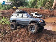We recently spotted a very nice scale Toyota Land Cruiser crawler build by Markster G. Land Cruiser 80, Toyota Land Cruiser, Rc Drift Cars, Rc Rock Crawler, Truck Scales, Rc Cars And Trucks, No Mans Land, Toyota Trucks, Rc Model