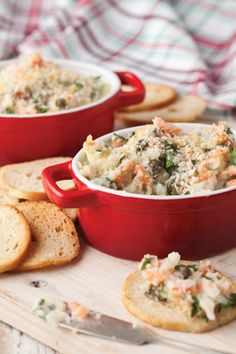 Smoked Salmon Spread    Makes 4 cups         2          medium baking potatoes    8          ounces smoked salmon, chopped    1/2       cup chopped fresh parsley    2          tablespoons capers    1/2       teaspoon Worcestershire sauce    2          tablespoons fresh lemon juice    1/2       cup heavy whipping cream    1/2       cup panko (Japanese bread crumbs)    Bagel chips
