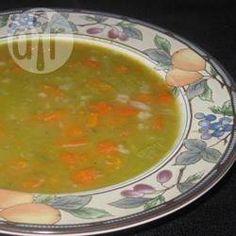 Sopa de ervilha light @ allrecipes.com.br - Essa sopa de ervilha leva bem pouca gordura mas não deixa de ser saborosa.