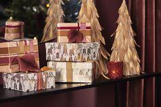 #kremmerhuset #julepynt #Julestemning #Jul #klassisk jul #Julen 2018 #Juletrend 2018 #kremmerhuset jul #juleglede #tradisjonell jul #elegant jul #jul Gift Wrapping, Elegant, Gifts, Paper Wrapping, Classy, Presents, Chic, Wrapping Gifts, Gifs