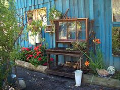 Great looking potting bench!