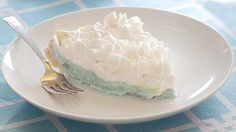 Blogger Bree Hester of  Baked Bree makes us a Blue Hawaiian Pie perfect for your gender reveal party.